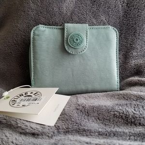 Kipling credit card wallet